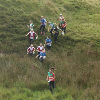 SHI_Relay_2_Megan_CD_leads_the_field_in_the_mass_start